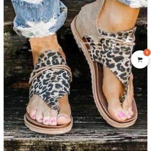 Cute leopard and tan print sandles